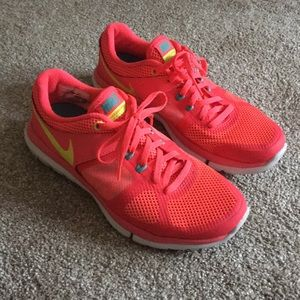 Nike Flex Run Sneakers Neon Pink